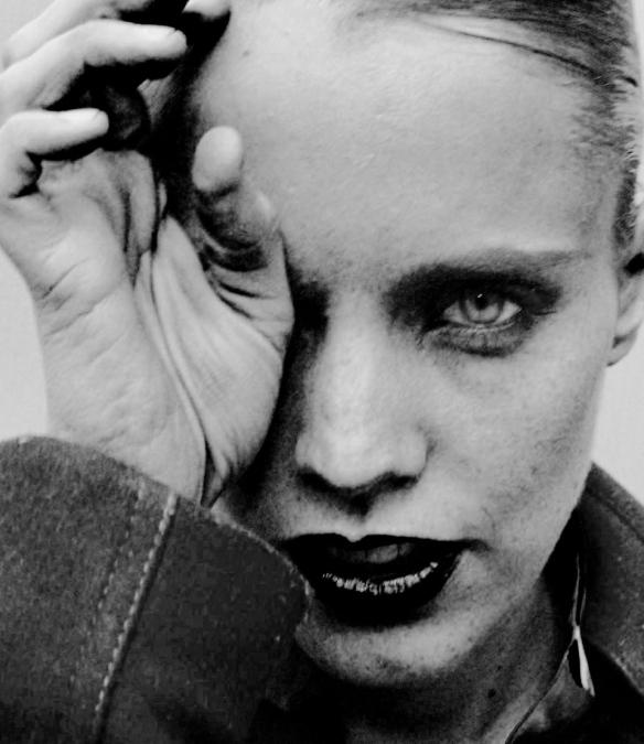 Anna Calvi, wild abandon